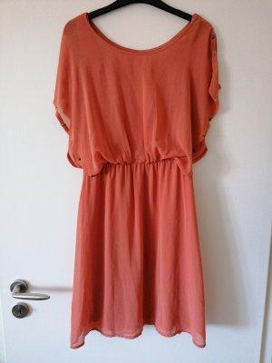 pfirsichfarbenes Kleid