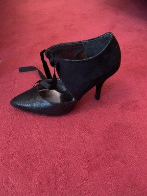 Phantastische High Heels von Victoria Delef. Größe 38.