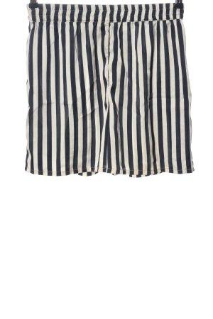 Pieces Shorts schwarz-weiß Streifenmuster Casual-Look