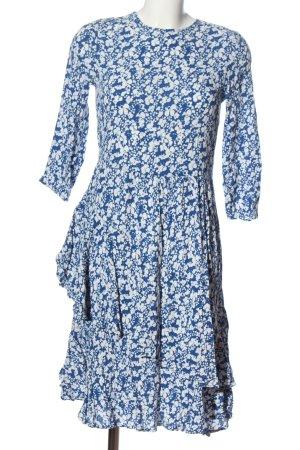 Pieces Asymetryczna sukienka niebieski-biały Wzór w kwiaty W stylu casual