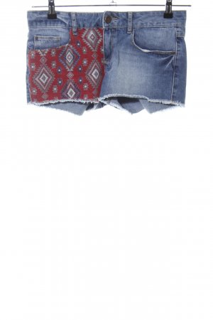 Pimkie Hot Pants blau-rot grafisches Muster Casual-Look