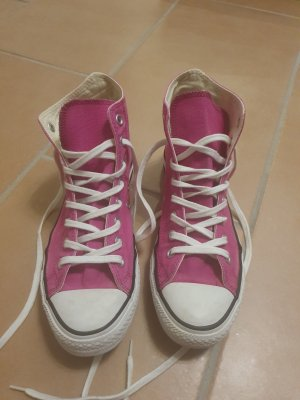 All Star Lace-Up Sneaker pink