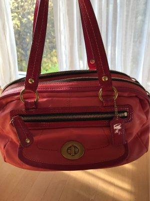 Pinke Handtasche