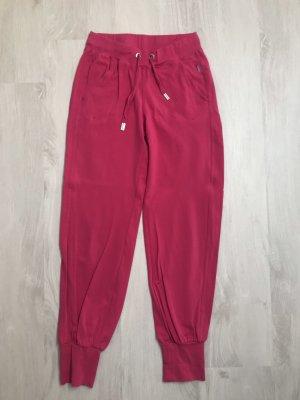 Pinke Jogginghose