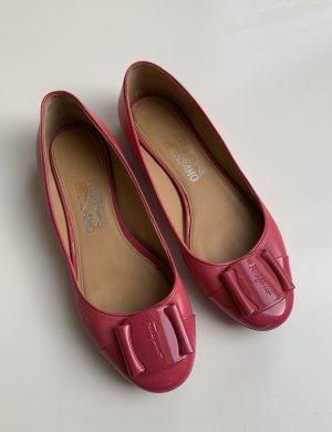 Pinke Leder-Ballerinas von Salvatore Ferragamo