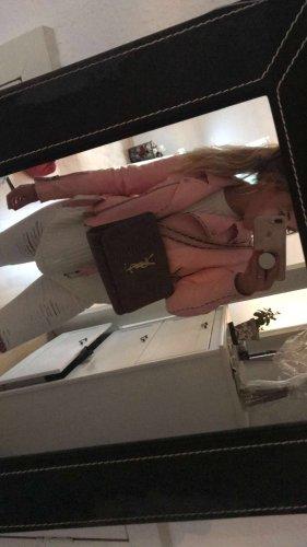Pinke Lederjacke