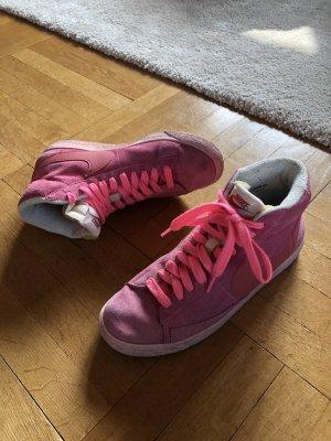 Pinke Nike Blazer