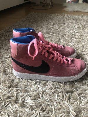 Pinke Nike Blazer Sneaker
