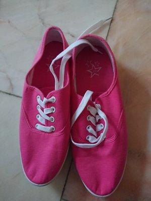 Pinke Stoffschuhe