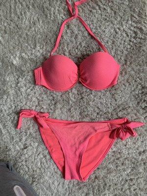 Pinker bikini