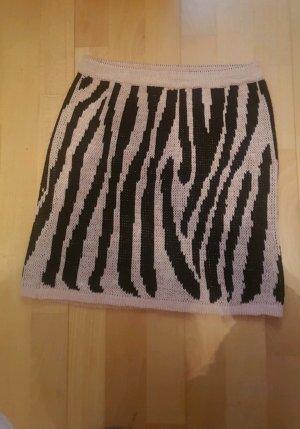Pinker Rock im Zebra Design