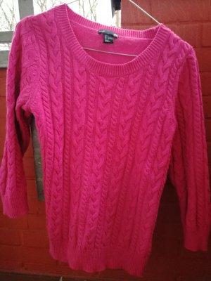 Pinker Rundauschnittwollpullover mit Zopfmuster