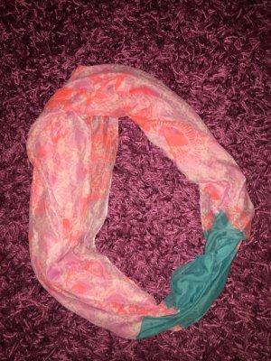 Pinker Schal