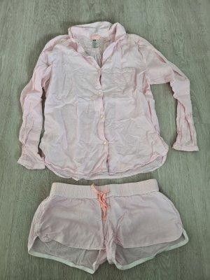 pinker Schlafanzug