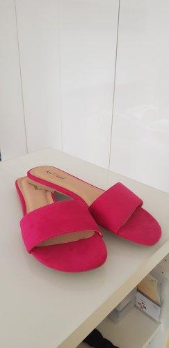 pinkfarbene Pantoletten, neu & ungetragen