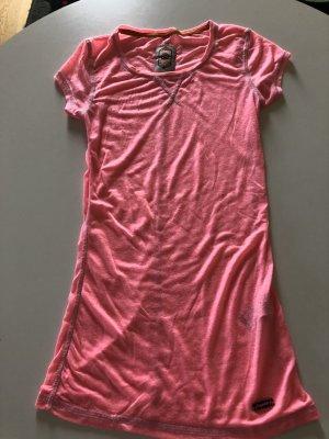 Pinkfarbenes T-Shirt