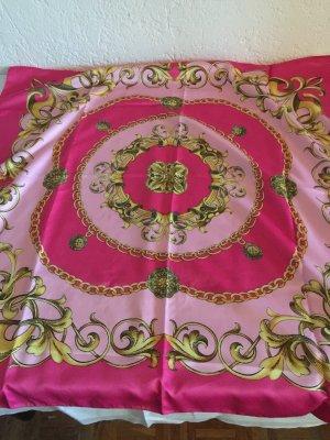 Pinkfarbenes Tuch