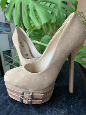 Plateau high heels beige