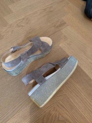 Sandalias con plataforma beige