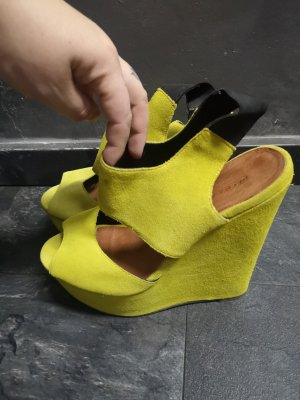 Urban Outfitters Sandalias de tacón con plataforma amarillo neón