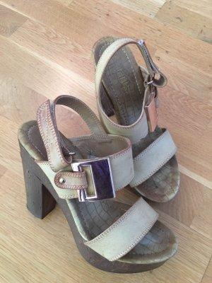 Sandales à talons hauts et plateforme crème-chameau