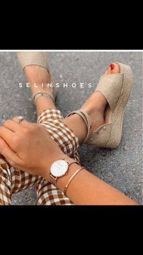 Sandalias de tacón con plataforma beige claro-crema