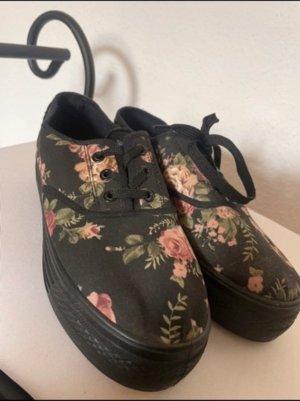 Plateau Schuhe mit Blumenmuster