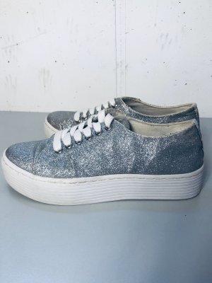 Plateau-Sneaker mega Hingucker