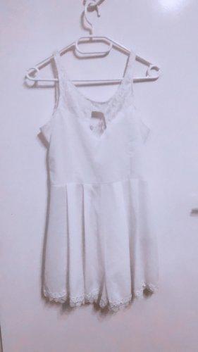 Playsuit jumpsuit overall einteiler weiß spitze plissee