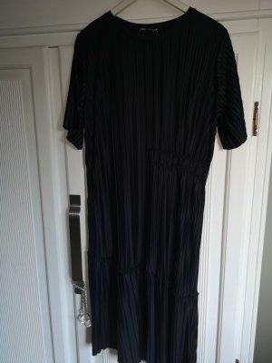 Pliseekleid von Zara ungetragen Gr. L