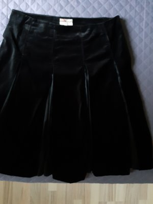 Burberry Pleated Skirt black cotton