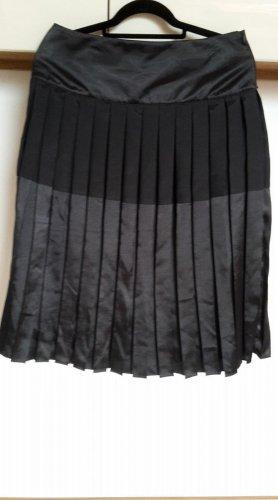 More & More Pleated Skirt black