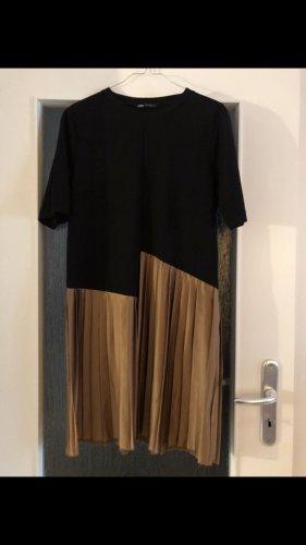 Plisseekleid von Zara in Gr. M