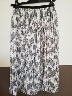 Esmara Pleated Skirt white-black