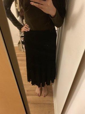Massimo Dutti Pleated Skirt black