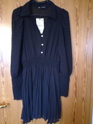 Plissiertes Plumetis Kleid