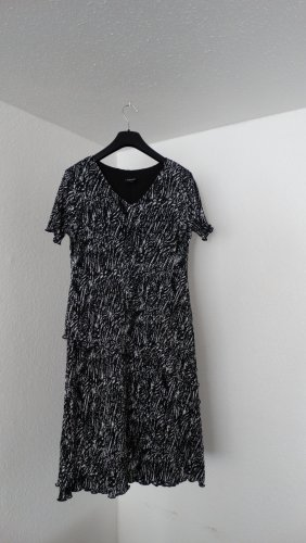 Plissiertes Volant-Kleid