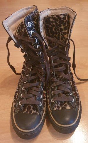 Plüsch Converse mit Leoparden Muster