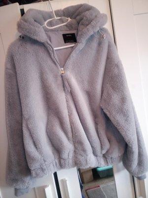 Bershka Futrzana kurtka srebrny
