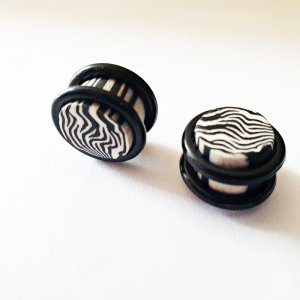 Plugs Tunnel schwarz weiss gestreift Zebra Animal Print 12mm NEU