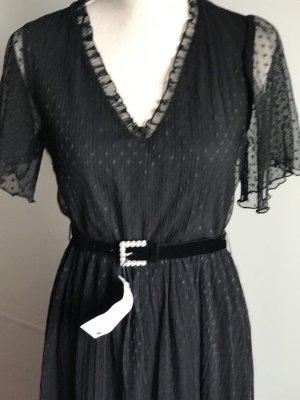 Plumetis-Kleid mit Gürtel von Zara