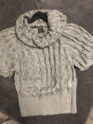 one love Crochet Sweater grey