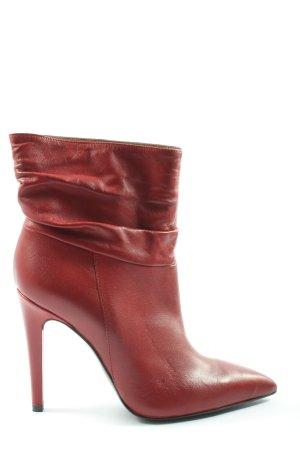 Poi Lei Slip-on Booties red elegant