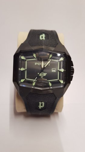 Police Look Beyond Uhr limited Edition