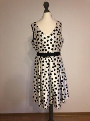 Jessica Howard Empire Dress white-black