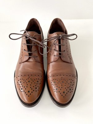Pollini Wingtip Shoes brown