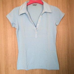 Poloshirt hellblau mit kleinen Perlmuttknöpfen