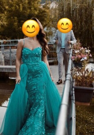Pompöses Abendkleid