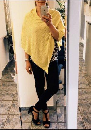 Poncho giallo pallido