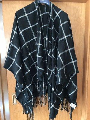 Chicorée Knitted Poncho black-white